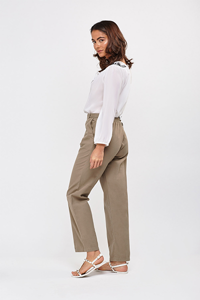 Basic Straight Leg Trousers3